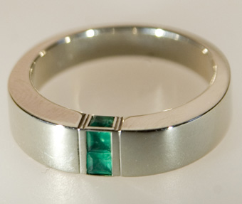 Ring, white gold 585°, emeralds.