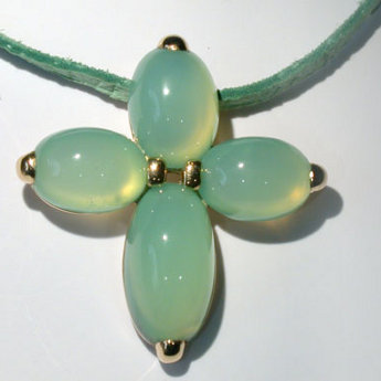 Gold, chrysoprase